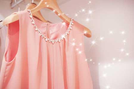 3:清潔感のある華やかな服装